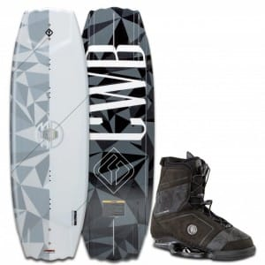 PACHET WAKEBOARD CWB 2016 DOWDY 142 WAKEBOARD + MD BOOTS