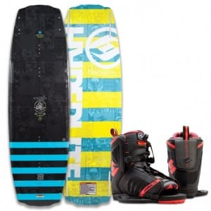 PACHET WAKEBOARD HYPERLITE 2016 FRANCHISE 142 WAKEBOARD + REMIX US 10-14 BOOTS